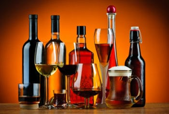avoid alcohol drinks when breastfeeding