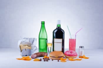 avoid highly processed foods when breastfeeding